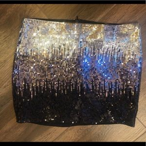 XS 2b Bebe holiday sequin ombre mini skirt